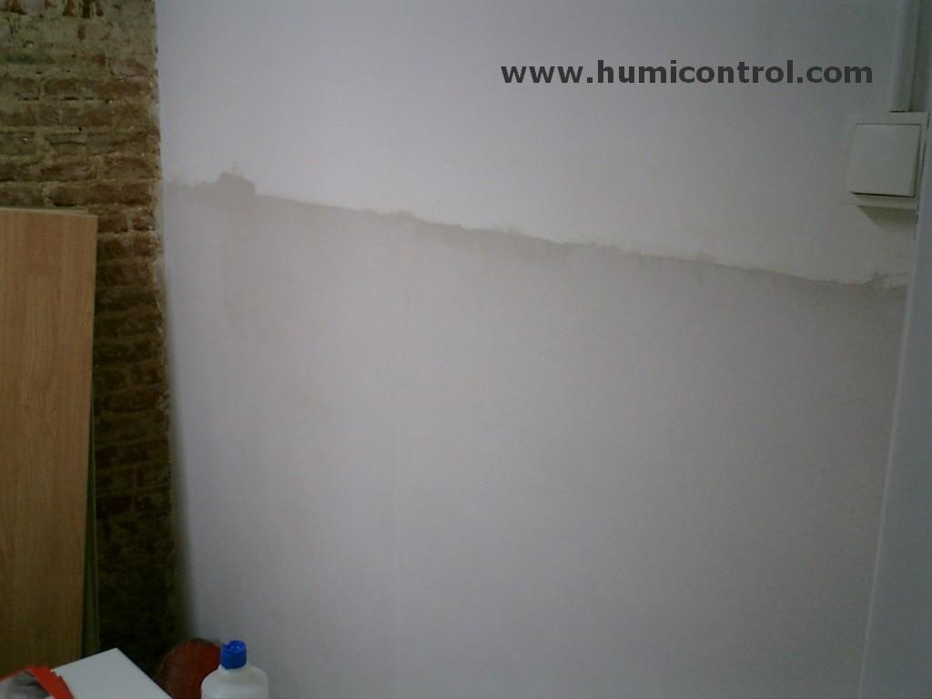 Tratamiento de humedades en paredes antes de pintura